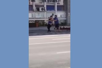 Preot din Bacău, cercetat de poliţişti. Ce i-a făcut soției sale în plină stradă. VIDEO