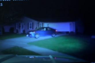 Un copil de 10 ani a furat o mașină și a condus cu viteză prin oraș, cu poliția pe urmele sale