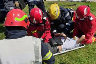 Un șofer a fost rănit, după ce a izbit cu mașina un scuar dintre benzinărie, între Târgoviște și Ploiești