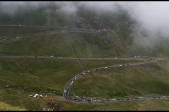Românii s-au înghesuit la munte, pentru fotografii spectaculoase. Avertismentul epidemiologilor