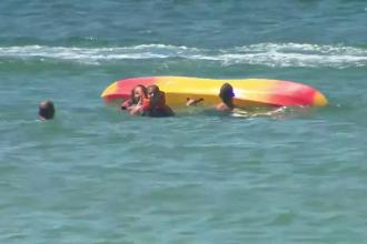 """Președintele Portugaliei a salvat două tinere care riscau să se înece: """"S-au răsturnat, s-au panicat"""""""