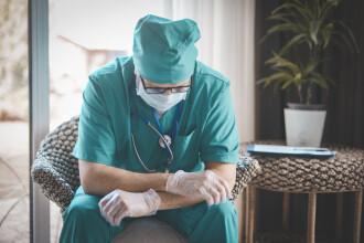 Primul chestionar online pentru evaluarea riscului îmbolnăvirii cu COVID - 19, realizat de medici timișoreni