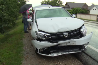 Val de accidente în Dâmbovița, după o furtună. Șoferii implicați au făcut aceeași greșeală