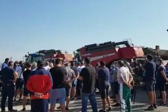 Sute de fermieri din Dobrogea și-au scos utilajele în stradă, în semn de protest. Ce i-a nemulțumit