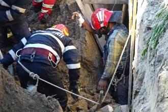 Misiune contracronometru în Baia Mare pentru a salva un bărbat, prins sub un mal de pământ