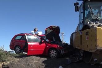 Accident pe Autostrada Transilvania: o mașină a intrat violent într-un utilaj de 18 tone