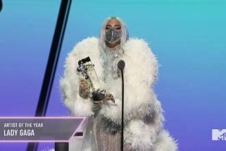 Cum s-a îmbrăcat Lady Gaga la MTV Video Awards. A purtat mască la fiecare ținută