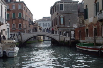 Venetia se scufunda! Vezi aici imagini inedite!