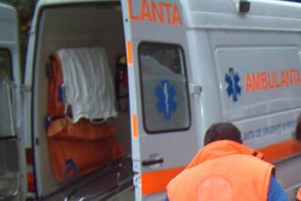 Ambulanta cu rotile-n sus. Accident intr-o intersectie din Brasov