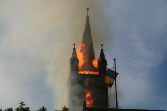 Biserica din Aiud, in flacari. Pastorul crede ca cineva a pus focul