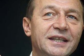 Traian Basescu a plans la monumentul eroilor romani din Budapesta