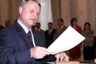 Marian Sarbu spune ca va demisiona din Guvern daca Nica e revocat