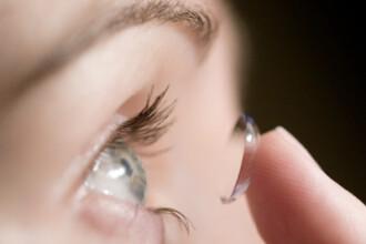 Atentie la ce lentile de contact cumparati! O tanara a ramas fara un ochi