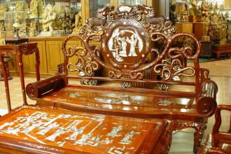 Daca vrei un dulap cu multe sertare, ia-ti mobilier chinezesc!