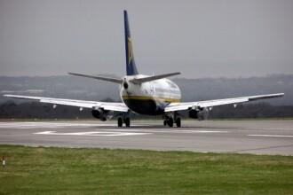 Romanul care s-a luat la bataie intr-un avion irlandez cere despagubiri