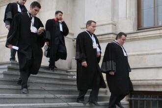 Au parasit salile de judecata si s-au mutat in strada!