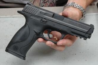 Scandal cu focuri de arma la Arad! Un barbat a ajuns la spital