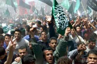 Masacru in Fasia Gaza! 230 de oameni au murit in urma raidurilor israeliene
