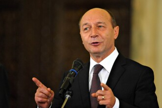 Traian Basescu isi oxigeneaza creierii la munte!