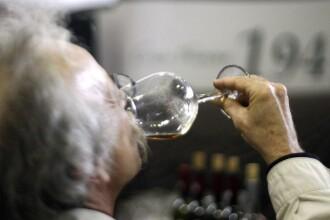 De Craciun, romanii au baut vin si au renuntat la mezeluri