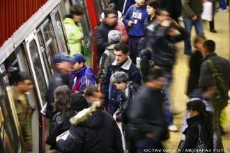 Incendiu la Metrou! Doua persoane intoxicate cu fum, una internata