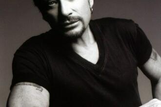 Rockerul francez Johnny Hallyday, spitalizat de urgenta!