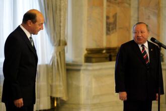Traian Basescu a intarziat la ceremonia de validare, din cauza zapezii!