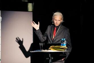 Julian Assange, ales