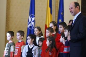 Basescu: Romania a devenit o tara de mamicute si bebelusi