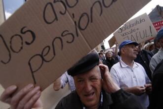 Pensii miscorate, datorii la banci. Ce pot face militarii rezervisti