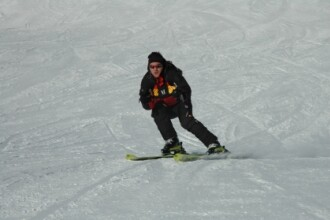 Uite-l pe Serban Huidu la schi, in aceeasi statiune, anul trecut! Video