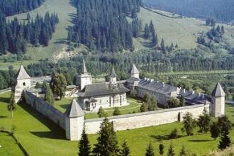 Bucovina, un colt de rai. Povestea romanilor pentru care traditiile sunt litera de lege
