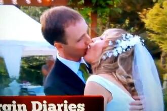 Cum a fost prima noapte de iubire a cuplului devenit celebru dupa cel mai jenant sarut. VIDEO