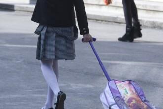 Cum a venit imbraca o eleva din Marea Britanie la scoala. Profesorii au trimis-o imediat acasa