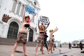 VIDEO. Trei ucrainence au protestat topless fata de rezultatele alegerilor din Rusia