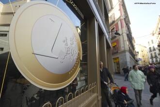 Zona Euro aparata de criza datoriilor. Ce este