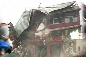 VIDEO. Imagini spectaculoase. Palatul lui Bercea Mondial a fost demolat de autoritati