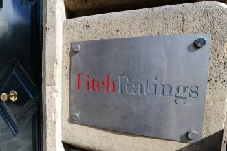 Fitch a retrogradat Grecia de la