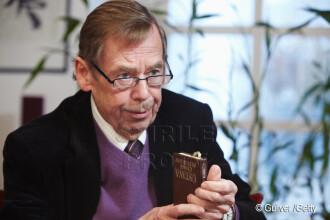 Lech Walesa:Vocea lui Havel va lipsi enorm Europei, mai ales acum, cand traversam o criza serioasa