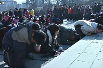 O natiune in lacrimi. Nord-coreenii plang in hohote dupa