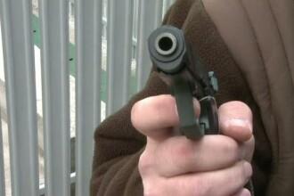 Orbit de gelozie, un politist si-a impuscat cel mai bun prieten, apoi s-a sinucis cu arma din dotare