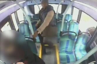 Pasager strangulat de un barbat in autobuz, fara niciun motiv. VIDEO socant