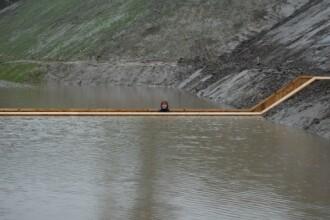 Galerie FOTO, VIDEO. Podul lui Moise, constructia care iti permite