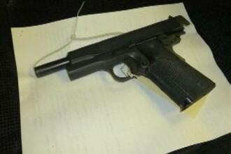 Un barbat a murit, dupa ce s-a impuscat accidental in testicule cu o arma artizanala