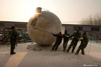 Marea bila chinezeasca. Un barbat a construit o capsula gigant care sa-l salveze de Apocalipsa