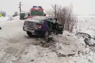 Un politist a murit si 7 persoane au fost ranite, dupa un accident produs din cauza zapezii
