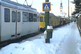 Un tramvai stricat a blocat in statii sute de calatori, care au indurat un frig de minus 13 grade