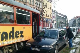 Explicatia revoltatoare a soferului care a blocat un tramvai din Arad, dupa ce a parcat langa linie