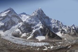 Fotografia de 2 miliarde de pixeli, care arata transformarea dramatica a Muntelui Everest