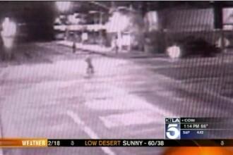 Tanar de 22 de ani, lovit de doua masini in 11 secunde si lasat sa moara in mijlocul strazii. VIDEO